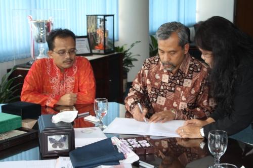 Penandatanganan Peresmian PT Penerbit IPB Press